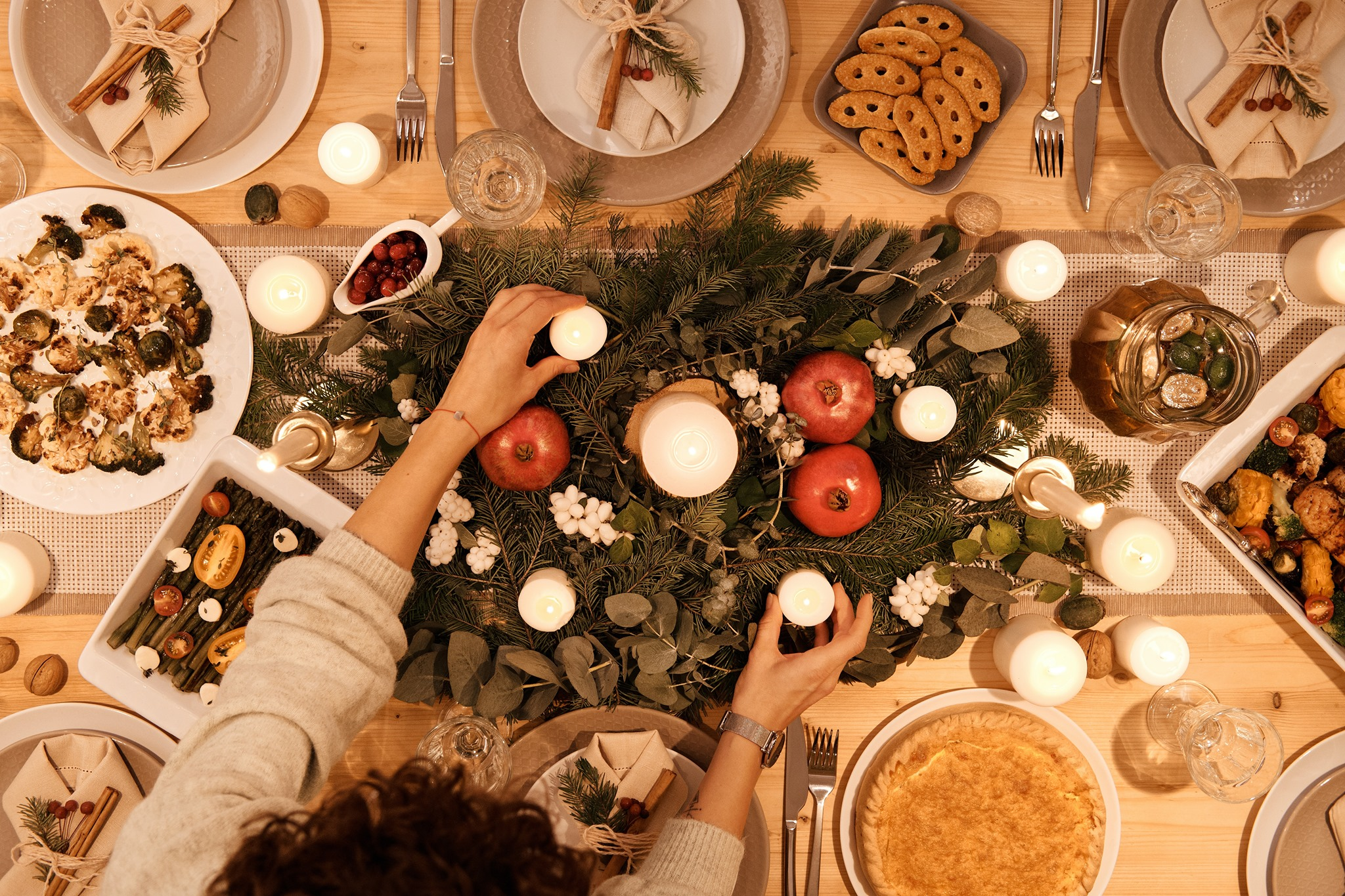 A picture showing a Christmas dinner table - Christmas nutrition guide
